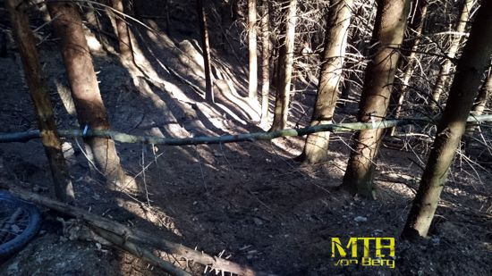Achtung Mountainbiker Trail Blockade in Altenberg